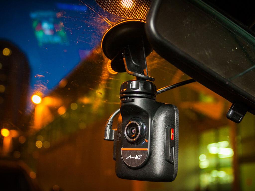 Как выбрать видеорегистратор для автомобиля в 2018 году